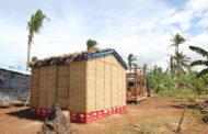 Јапонски архитект дизајнира куќи од хартија за бегалците во светот