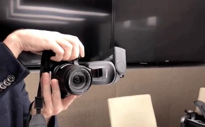 Canon направи флеш светло кое се врти за да направите совршена фотографија