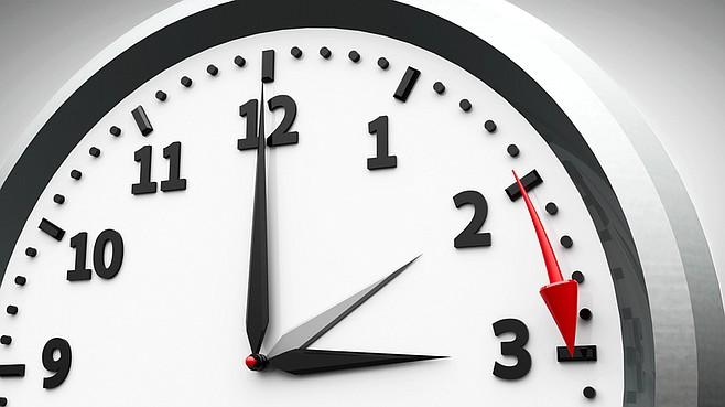 Европската Комисија одлучи: Од 2021 година се укинува поместувањето на часовникот