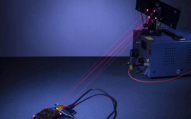 Во иднина батериите ќе ги полниме ласерски