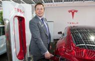 Маск: Тесла останува јавна компанија!