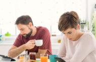 Истражување: Луѓето повеќе се грижат за паметните телефони отколку за семејството или пријателите