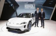 Претставен Porsche Mission E Cross Turismo – електричен спортист за активен животен стил