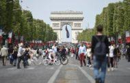 Франција ќе ги казнува компаниите кои не ги плаќаат мажите и жените еднакво