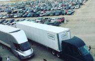 Електричните камиони на Илон Маск тргнаа на пат со првите пратки