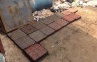 Компанија од Гана прави патишта од пластични кеси