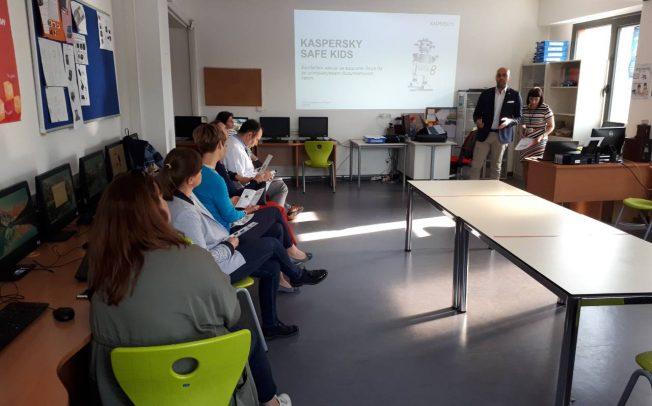 Одржани работилници за онлајн безбедност на децата и учениците