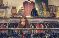 Франција ќе им забрани на продавниците да ја фрлаат непродадената облека