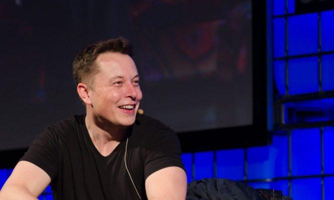 Илон Маск потврди: земјата која се копа за подземните тунели ќе се искористи за правење евтини тули за градење