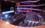 ВИДЕО: Од концертна сала до рамен под за неколку минути