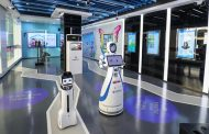 Шангај ја доби првата роботска банка – клиентите ги дочекуваат роботи