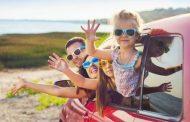 8 забавни игри за долги возења со деца во автомобил