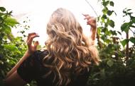 Кои се најчестите причини за опаѓање на косата кај жените?