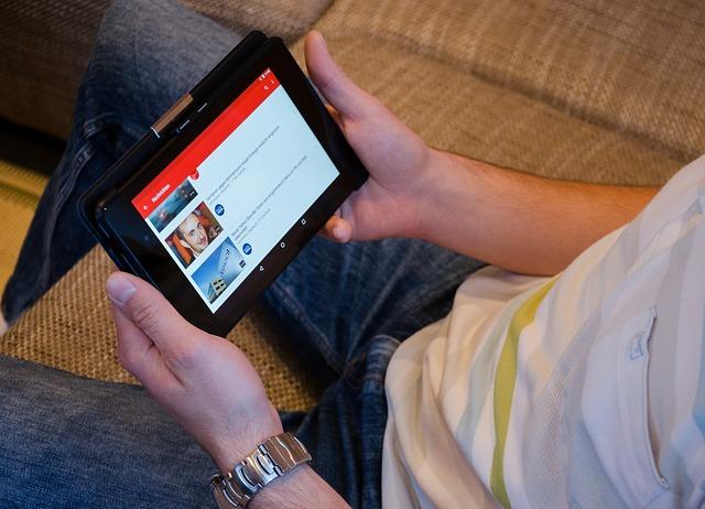 Дали YouTube ќе го надмине Facebook во број на посети?