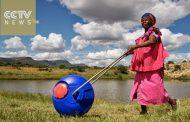 ВИДЕО: Бурето за вода Hippo Roller им го олеснува животот на жените во Африка