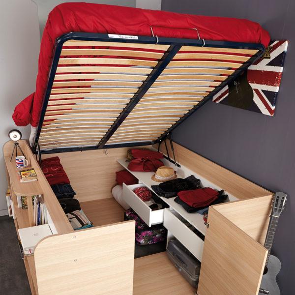 Креветот Parisot Space Up Bed има скриен цел плакар во него