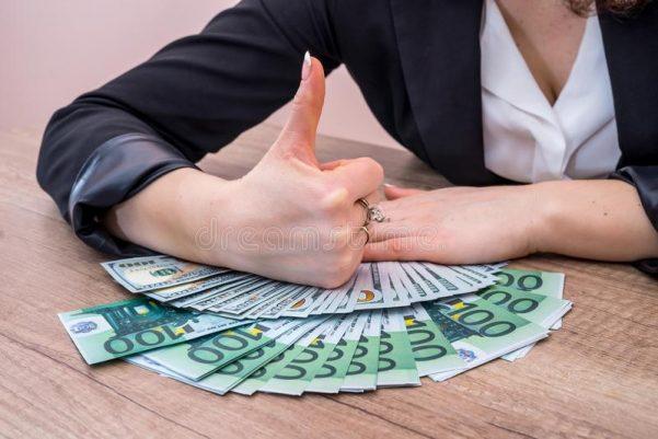 Словенечка компанија на вработените им дава по 250 евра ако донесат нови работници