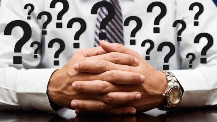 Овие три прашања му помагаат на шефот на Amazon да ги вработи најдобрите луѓе