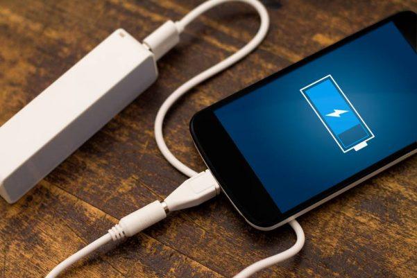 """Некои апликации ја """"јадат"""" батеријата на телефонот, но има решение"""