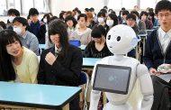 Од идната година на децата во Јапонија роботи ќе им предаваат англиски јазик