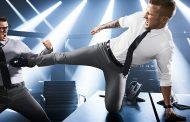 Генијална реклама за еластични костуми со ultimate fight ѕвезди