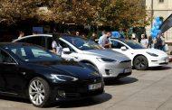 Tesla ја намалува цената на Model 3