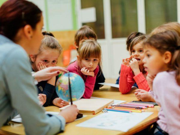 Ново истражување вели дека треба да ги следите овие правила за децата да бидат подобри во школо