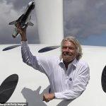 Ричард Бренсон го оствари првиот авионски лет со гориво направено од индустриски отпад