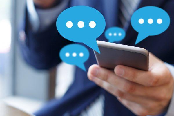 Пишувањето пораки на телефон е извор на стрес за секој трет човек