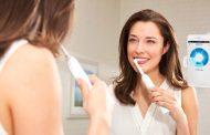 Паметна четка за заби сигнализира кои заби не се доволно чисти и колку долго да ги четкаме!