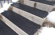 Скали кои сами се загреваат и го топат снегот