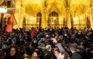 Унгарија воведува 400 часа прекувремена работа во годината, работниците на протест