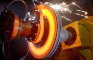 ВИДЕО: Bugatti ги тестира првите 3Д печатени кочници