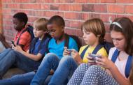 Дали паметните телефони се виновни за се полошиот вид кај децата?