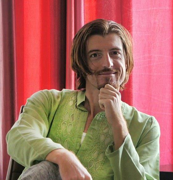 [Аудио] Претприемачот Аризанов: Рушиме табуа за отворените врски и сексуалноста во Индија