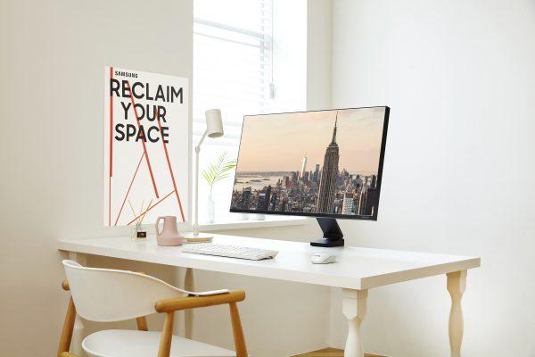 """Новите екрани на Самсунг за 2019 година дизајнирани за модерни работни средини и напредно """"гејминг"""" искуство"""