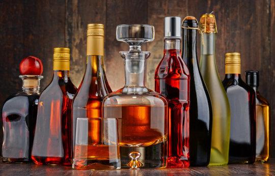 Европејците сакаат алкохол – пијат 300 евра по жител!