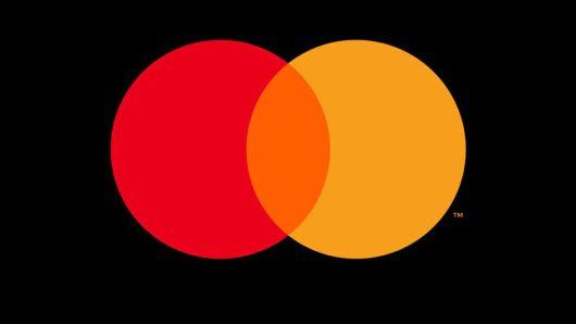 MasterCard го отстранува името од своето лого