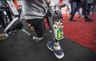 Роботско колено им помага на луѓето со ампутирани нозе да одат