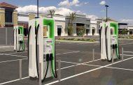 Tesla ќе постави од своите џиновски батерии Powerpack на 100 станици за полнење