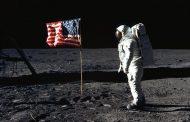 НАСА планира да ја испрати првата жена на Месечината до 2024 година