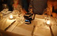 Во овој српски ресторан следува казна ако гледате во телефонот