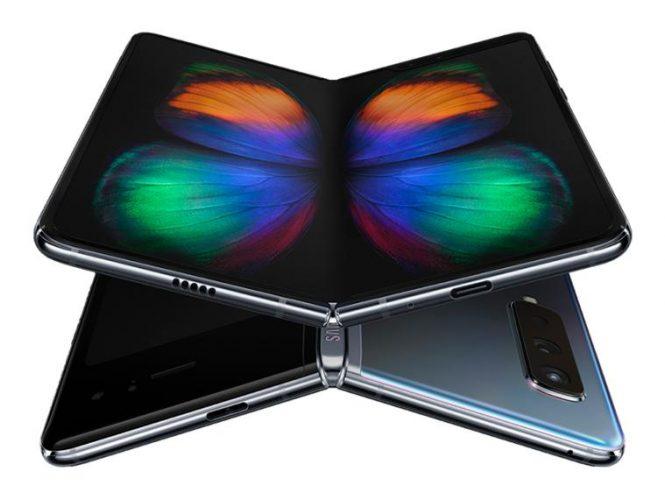 Samsung засега се откажува од свoјот флексибилен телефон