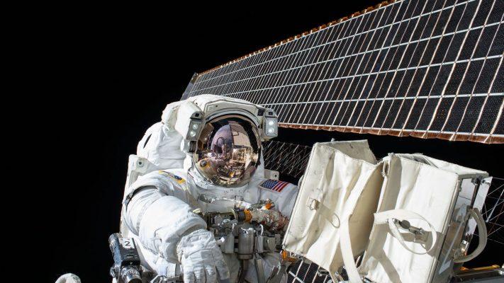 Историски момент – НАСА го најави првиот женски атронаутски пар кој ќе патува во вселената