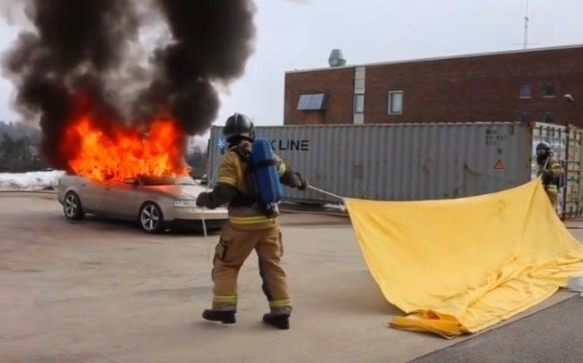 Ќебе за 20 минути ќе го изгасне запалениот автомобил