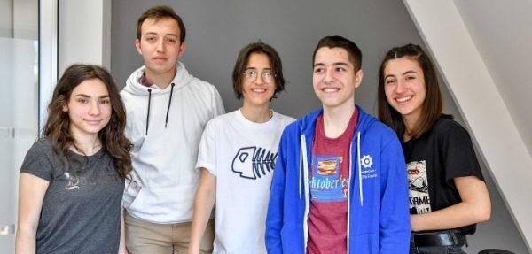 Ова се македонските тинејџери кои со апликација за спречување насилство победија на предизвик од УНИЦЕФ