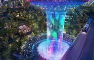 ВИДЕО: Новиот футуристички аеродром во Сингапур има шума, базен и џакузи на покривот!