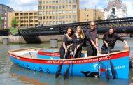 Холандска компанија ве носи со чамец по каналите да ловите – пластика!