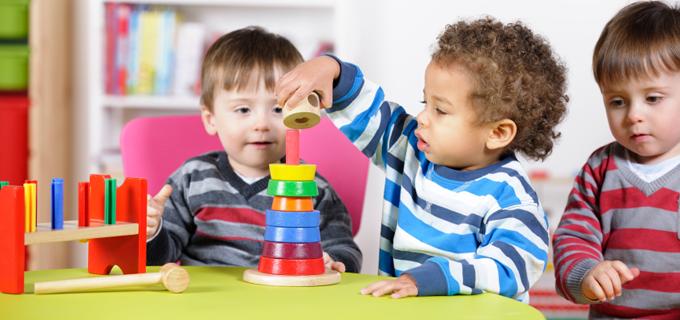 Децата треба да учат само преку игра до осум години