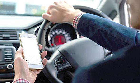 Нов уред на полицијата ќе и кажува дали возачите разговарале на телефон додека возеле